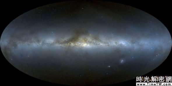 全新的完整夜空全景圖