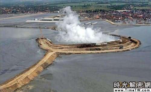 科學家揭開印尼泥火山噴發原因(組圖)