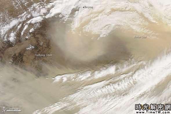 圖片顯示了沙塵暴在中國的肆虐情景