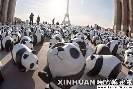 組圖:法國巴黎在廣場放置1600只紙熊貓