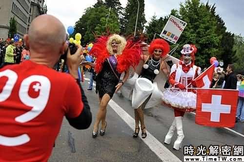 組圖:同性戀者化妝遊行