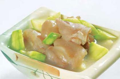 豬蹄瓜菇湯