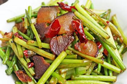 西芹百合草莓炒臘肉