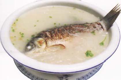 白蘿蔔鯽魚湯
