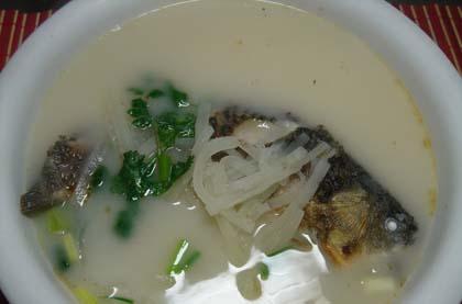 鯽魚蘿蔔湯