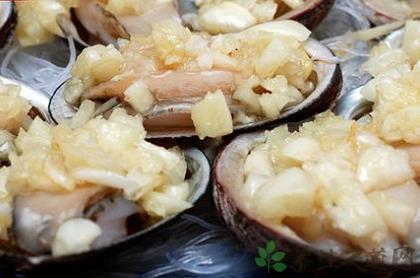 蒜茸蒸鮮鮑魚