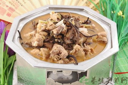 小雞燉蘑菇的做法
