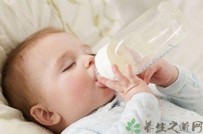 天氣熱寶寶不愛喝奶怎麼辦