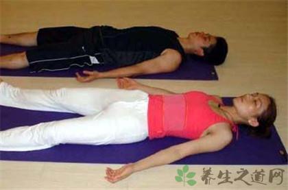 屍體式瑜伽