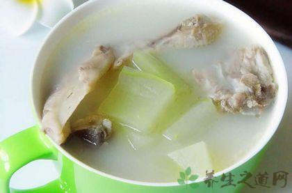 冬瓜的吃法大全  奶白冬瓜排骨湯