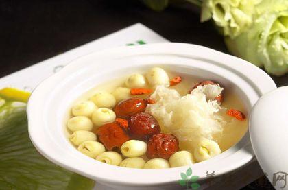 銀耳蓮子湯的做法