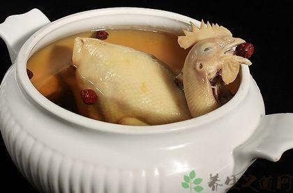燉雞湯什麼時候放鹽