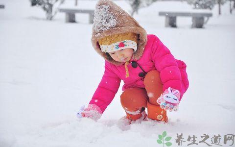 冬季孩子玩雪要注意什麼