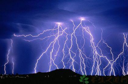 雷雨天氣能開空調嗎