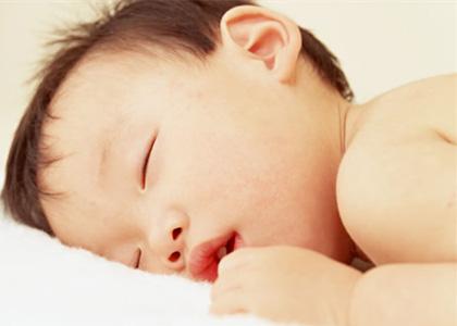 寶寶睡覺打呼嚕