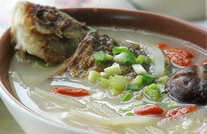 冬筍鯽魚湯