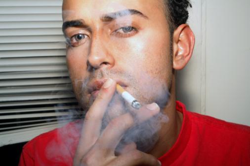 呵護心臟健康 <a href='http://baojian.9939.com/jbbj/gxb/' target='_blank'><font color='blue'>冠心病</font></a>患者及時戒煙更健康