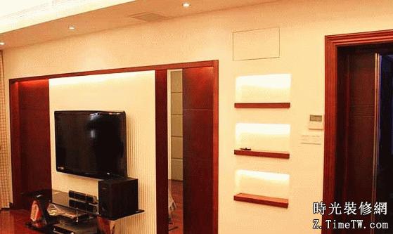 帶門的電視背景牆設計