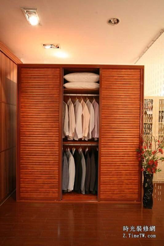 實木推拉門衣櫃材料介紹 實木推拉門衣櫃款式介紹