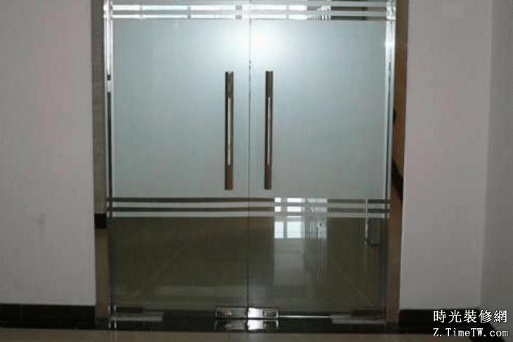 玻璃門彈簧的尺寸與使用須知