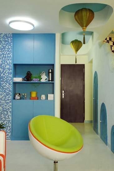 牆面彩繪抓人眼球 65平米溫馨複式家